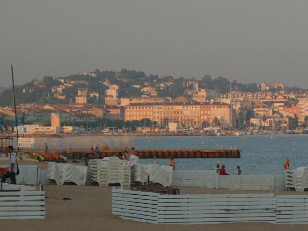 Plaża we Frejus - szeroka i piaszczysta #LazuroweWybrzeże