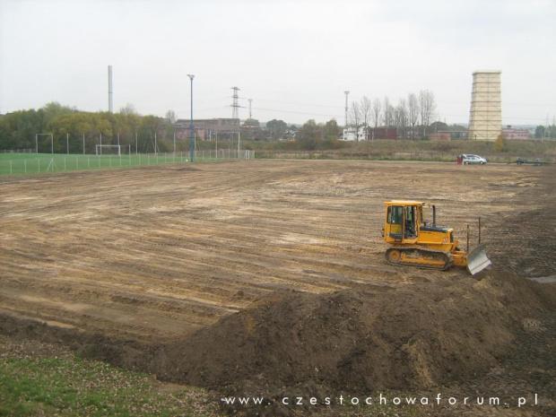 Budowa boiska treningowe z naturalną nawierzchnią na MSP Rakow w Czestochowie #boisko #treningowe #trawiaste #rakow #czestochowa #mosir